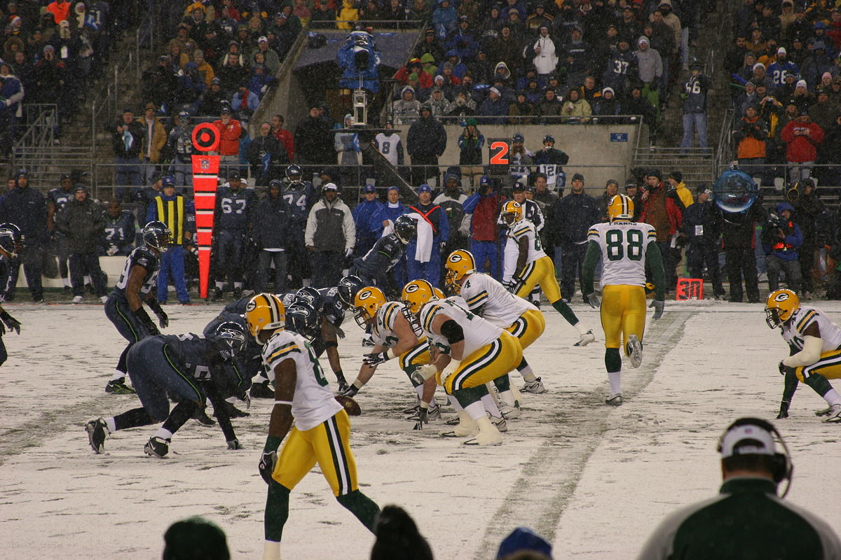 Watching the Green Bay Packers play is an awesome activity on a Winter Trip to Wisconsin ... photo by CC user Jame Healy on Flickr