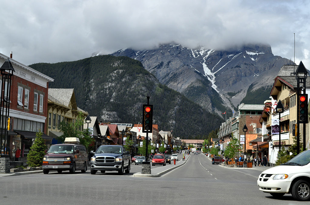 A visit to Banff is an essential part of any Trip to Alberta ... photo by CC user Audree on wikimedia commons