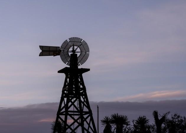 windmill-584409_640