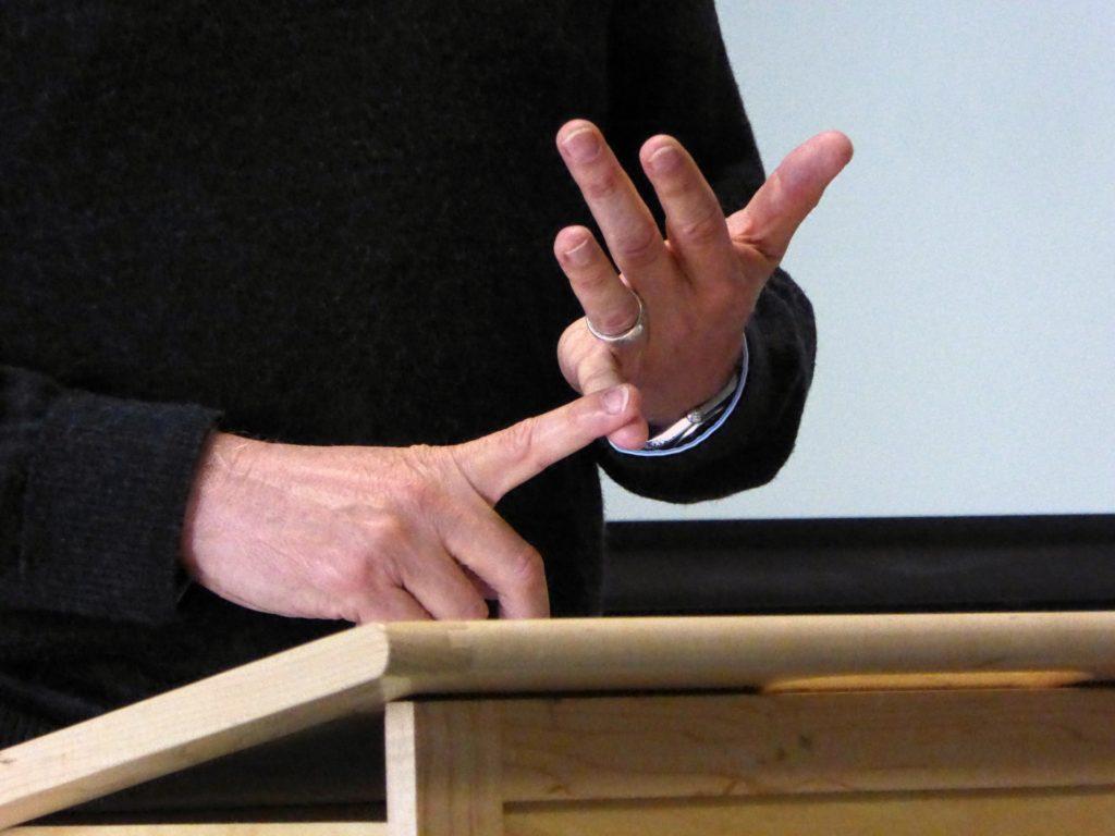 public-speaking-hand-gestures-6