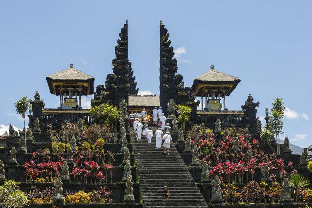 Besakih_Bali_Indonesia_Pura-Besakih-02