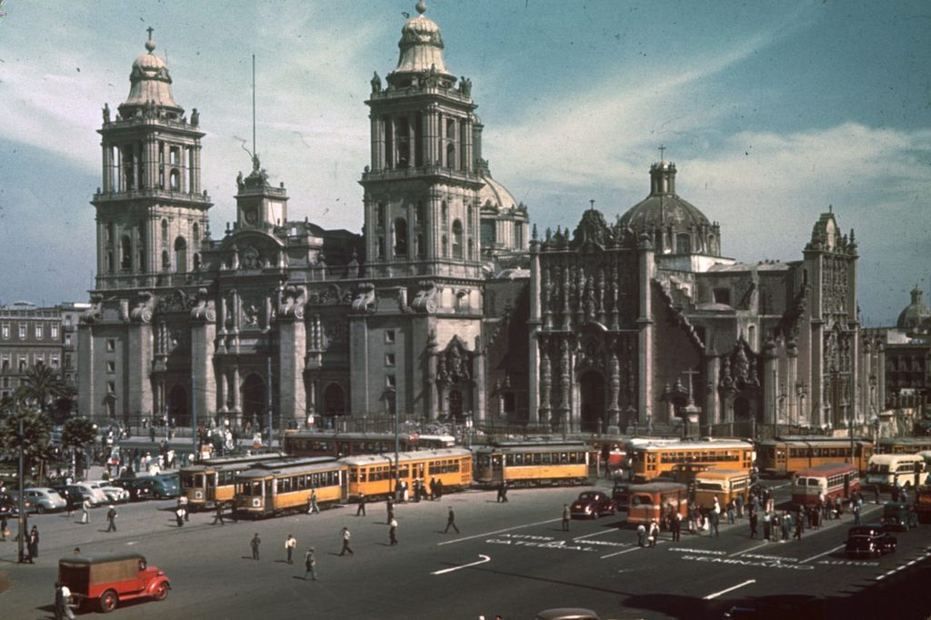 1280px-Mexico_City,_Metropolitan_Cathedral,_Kodachrome_by_Chalmers_Butterfield